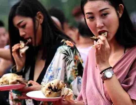(附带工具)吃鸡不仅用来娱乐,还可以自动引流,变现上万!